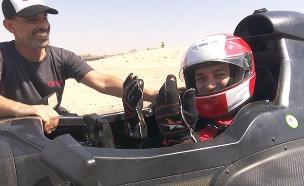 צפו בקושמרו נוהג במכונית הפורמולה  הישראלית (צילום: החדשות)