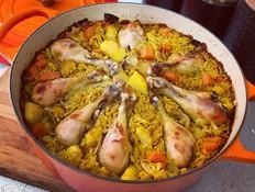 עוף עם אורז וירקות בסיר אחד (צילום: יונית סולטן צוקרמן, אוכל טוב)