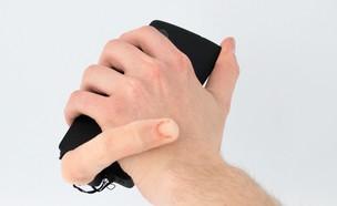 תוספת אצבע לסמארטפון (צילום: Marc Teyssier)