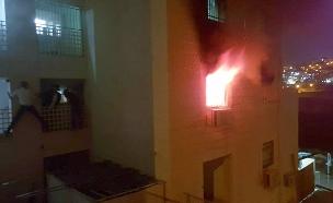 """שרפה בבית בביתר עילית (צילום: דוברות כבאות מחוז יו""""ש, חדשות)"""