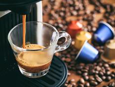 מיחזור קפסולות קפה, אוקטובר 2018 (צילום: שאטרסטוק)