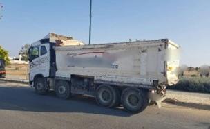 המשאית בה נתפס הקטין (צילום: דוברות המשטרה, חדשות)