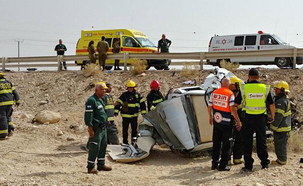 """הורים ובתם נהרגו בתאונה הקטלנית (צילום: דוברות מד""""א)"""