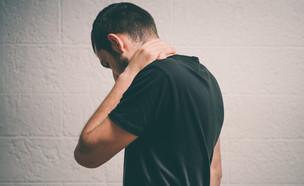 גבר עצוב (צילום: file404, Shutterstock)