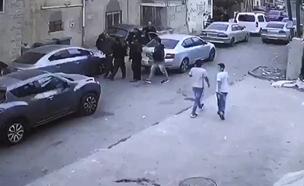 צפו בתיעוד רגעי המעצר (צילום: חדשות)