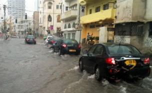 הצפות בתל אביב (צילום: טל ויידה, חדשות)