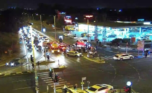 זירת התאונה בצומת סביון, הערב (צילום: חדשות)