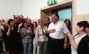 יהב נפרד מהעובדים, הבוקר (צילום: דוברות עיריית חיפה, חדשות)
