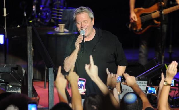 שלמה ארצי בהופעה בפסטיבל בריזה (צילום: שרון רביבו)