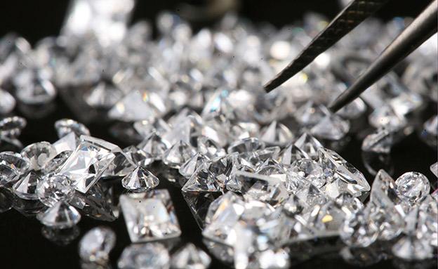החשד: הבריחו יהלומים בעשרות מיליונים (צילום: נתי שושת, פלאש 90, חדשות)