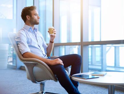 איך להתלבש ליום הראשון בעבודה? (צילום: kateafter | Shutterstock.com )