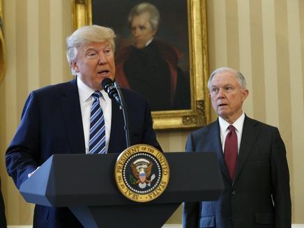 טראמפ וסשנס (צילום: רויטרס, חדשות)