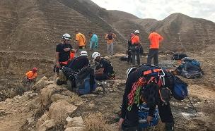 """מאמצי החילוץ אתמול בנחל אוג (צילום: דוברות כב""""ה מחוז יו""""ש, חדשות)"""