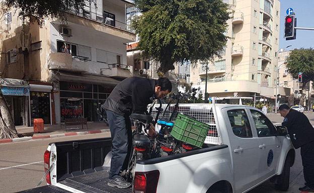 החרמת אופניים חשמליים בתל אביב (צילום: דוברות עיריית תל אביב, חדשות)