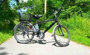 אופניים חשמליים (צילום: shutterstock By Golden Shrimp)