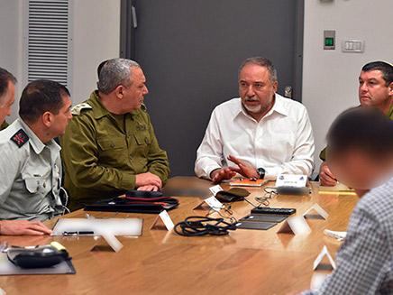 התייעצויות ביטחון, אמש (צילום: אריאל חרמוני, משרד הביטחון, חדשות)