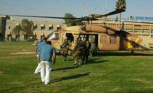 פינוי לבית החולים סורוקה (ארכיון) (צילום: רוני מרדכי, חדשות 2)