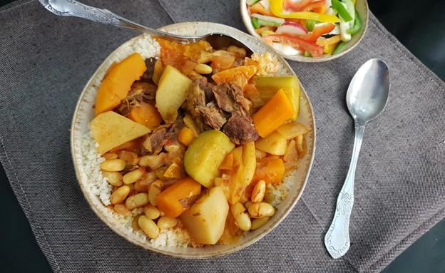 מרק אדום לקוסקוס (צילום: יונית סולטן צוקרמן, אוכל טוב)