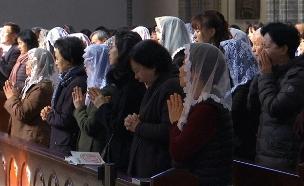תפילה המונית להצלחה הילדים במבחן (צילום: רויטרס, חדשות)