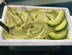 טעמנו גלידת אבוקדו, ואנחנו ממליצים לכם גם