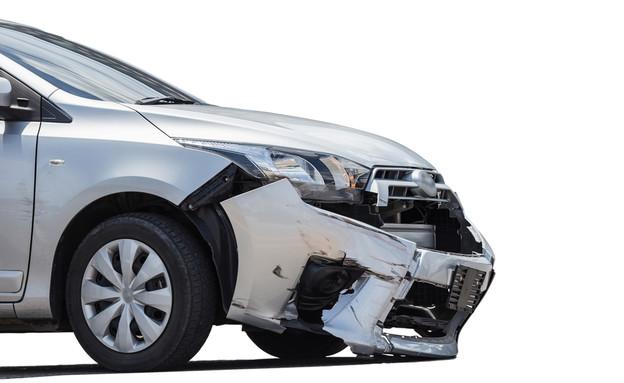 רכב אחרי תאונה (צילום: iMoved Studio, ShutterStock)