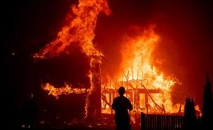 הלהבות בקליפורניה. חשש שייתחדשו מחר (צילום: AP, חדשות)
