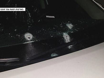 יריות על מכונית המועמד זמירו (צילום: רפעת עכר, אלאוסבוע, חדשות)