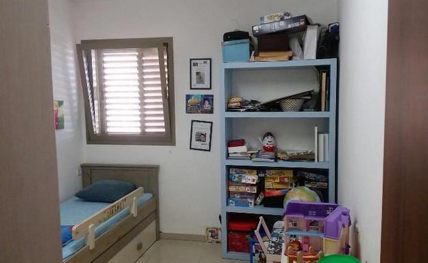 דירה ברמת השרון, עיצוב מיכל וולפסון, לפני שיפוץ, החדר של גיא (צילום: מיכל וולפסון קלמן)