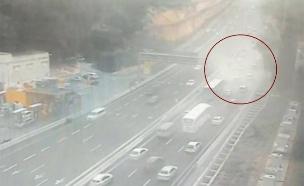 תיעוד: עננת המלט בכביש 1 (צילום: נתיבי ישראל, חדשות)