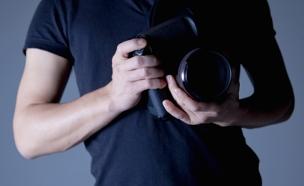 התחזה למפיק וניצל מינית נשים (צילום: PaylessImages  , 123RF)