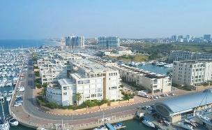 מי מפקח על הדירות שבקו החוף? (צילום: החדשות)