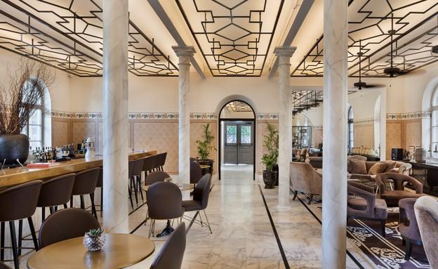 לובי המלון (צילום: אסף פינצ'וק)