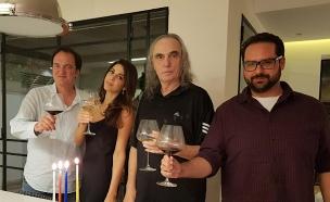 קוונטין טרנטינו, צביקה פיק ובתו דניאלה (צילום: חדשות)