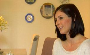 גילת בנט, אשתו של שר החינוך (צילום: חדשות 2)