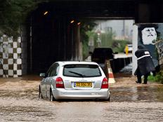 """הגשם מתקדם למרכז ולדרום: התחזית לסופ""""ש"""