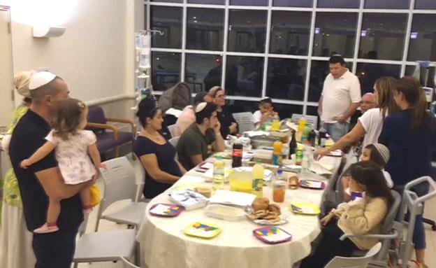 ארוחה משותפת של הילדים במחלקה