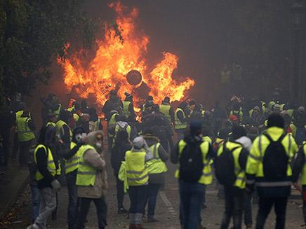 הפגנות בפריז