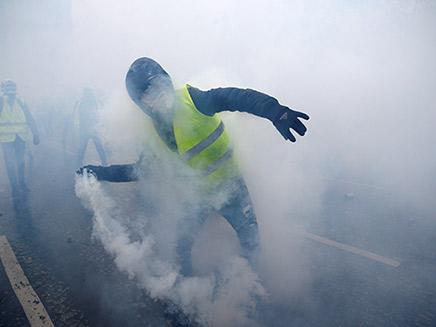 הפגנות אלימות בפריז