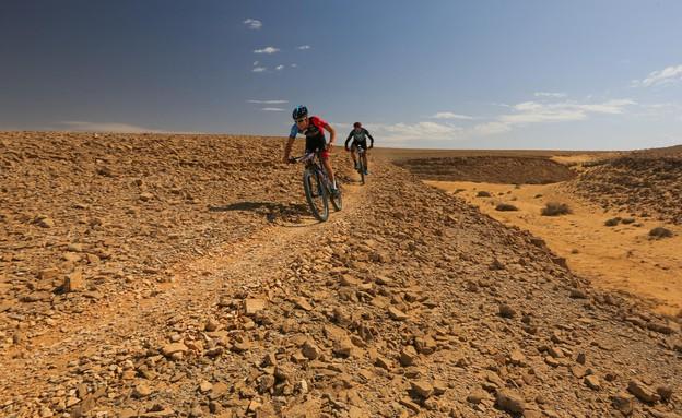 אופנייה בערבה  (צילום: תומר פדר)
