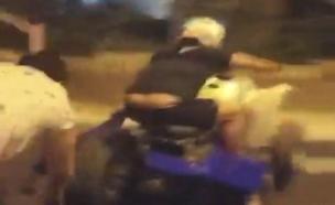 צפו: עימות בין רכבי טרקטורון לתושבים (צילום: לילך דנוך - בליצמן , חדשות)