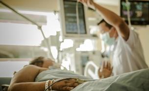 אישה בבית חולים, אילוסטרציה (צילום:  Chaikom, shutterstock)