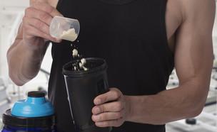 אבקת חלבון (צילום:  Albina Glisic, shutterstock)