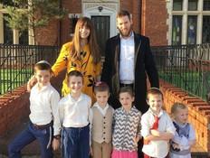 איך נראה בית של אושיית סטייל עם שישה ילדים?