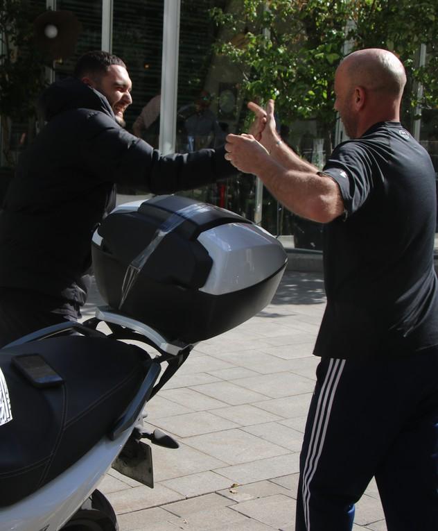 נדב גדג' והאופנוע
