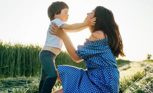 אם ובנה (צילום: Hryshchyshen Serhii, Shutterstock)