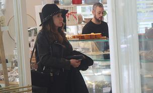 לאה שנירר בקניות (צילום: פול סגל)