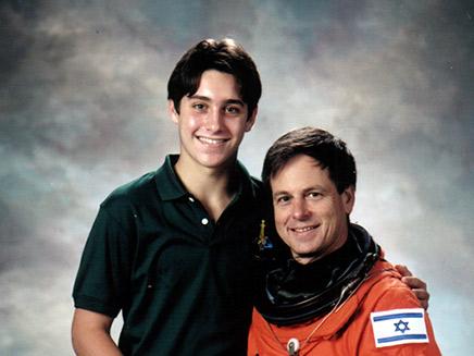 אילן ואסף רמון (צילום: באדיבות קרן רמון, חדשות)