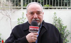 """אביגדור ליברמן בראיון לחדשות הבוקר (צילום: מתוך """"חדשות הבוקר"""" , קשת 12)"""