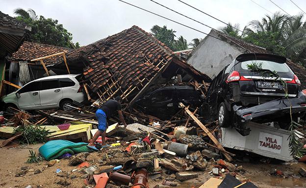 הריסות באינדונזיה לאחר פגיעת צונאמי (צילום: רויטרס, חדשות)
