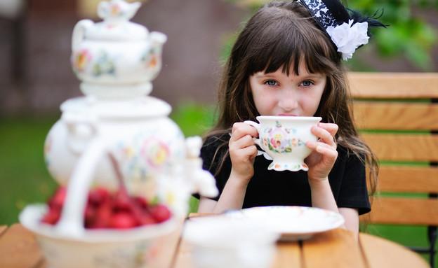מסיבת תה (צילום: By Alinute Silzeviciute, shuttetstock)